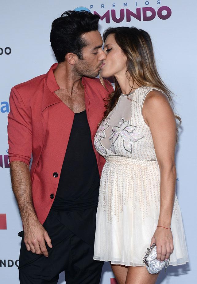 Aarón Díaz y Lola Ponce en Premios Tu Mundo