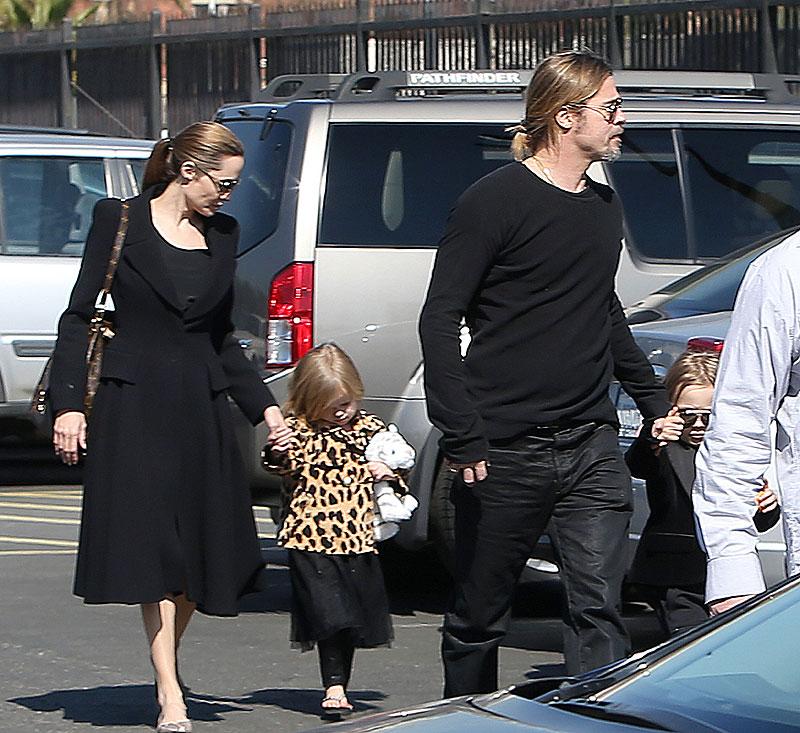 Brad Pitt, Angelina Jolie, Knox, Vivienne, Míralos