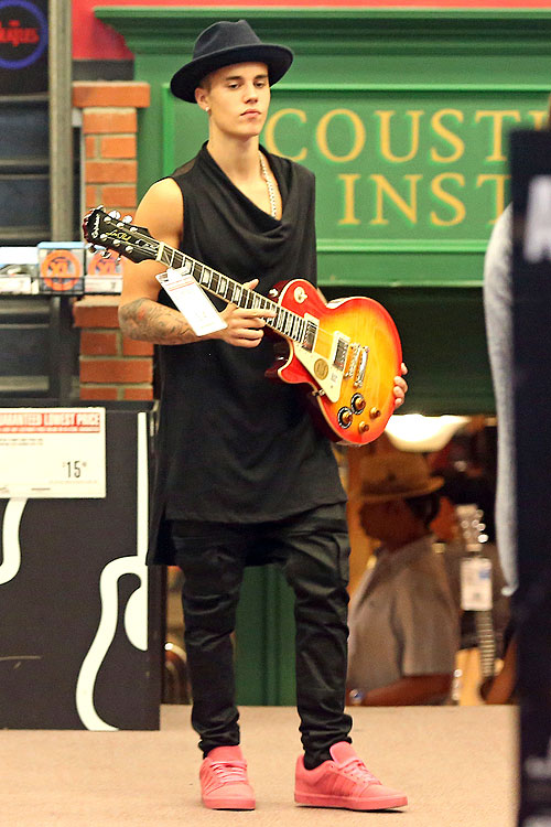 Justin Bieber, Míralos