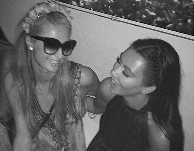 Kim y Paris Hilton para articulo