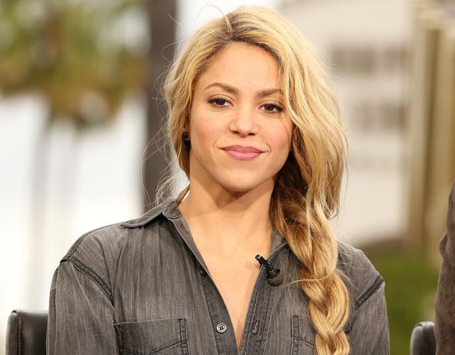 Shakira para nota de plagio