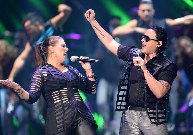 Premios Tu Mundo, El show en imágenes, Olga Tañón, Elvis Crespo