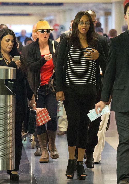 Britney Spears, Zoë Saldaña, Míralos