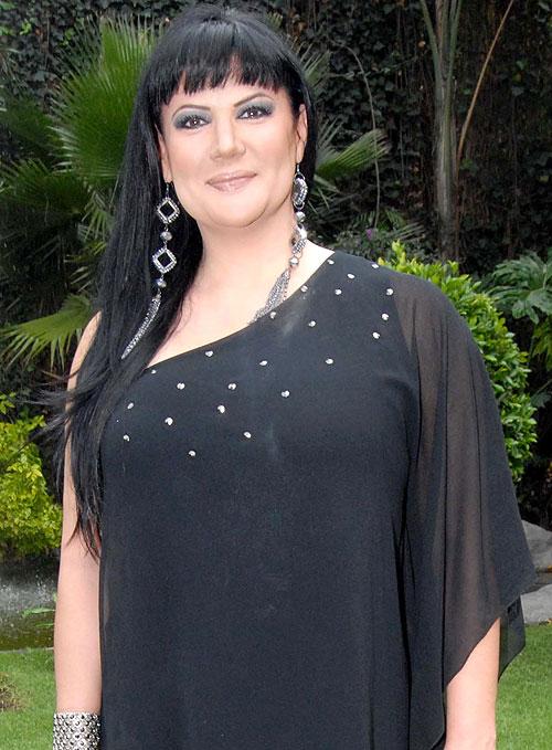 Alejandra Ávalos, Golpeadas