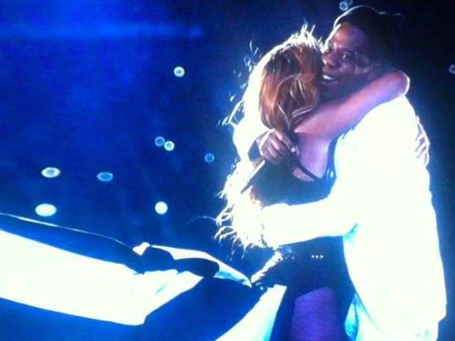 Beyoncé y Jay Z abrazo