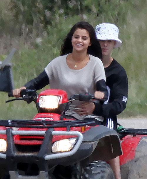 Justin Bieber, Selena Gómez, Míralos
