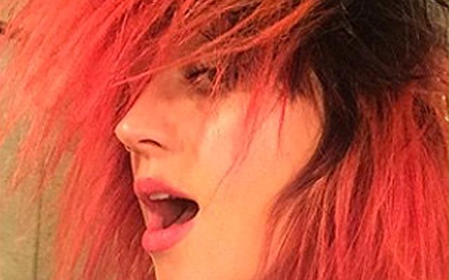Katy Perry, pelo, cabello, fucsia, cambio, look, tinte