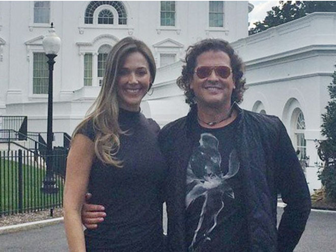 Carlos Vives, Claudia Elena Vásquez