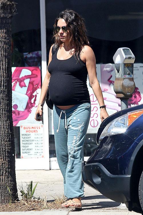 Mila Kunis, Míralos