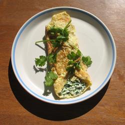 Omelet de queso crema y cilantro