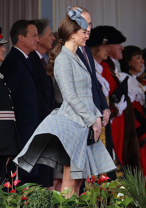 Kate Middleton, príncipe William, Míralos