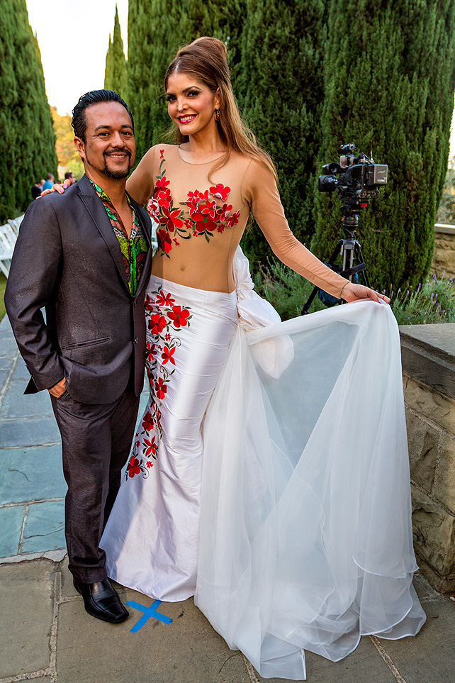 ANA Bárbara, desfile, Berverly Hills, Adán Terríquez, modelo, grupera
