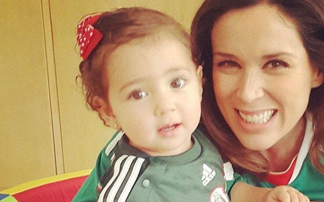 Jacqueline Bracamontes, Mini Jacky, Famosos con el Mundial