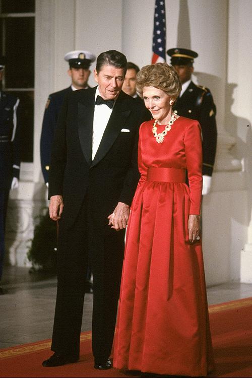 Oscar de la Renta, emblematico, vestido, homenaje