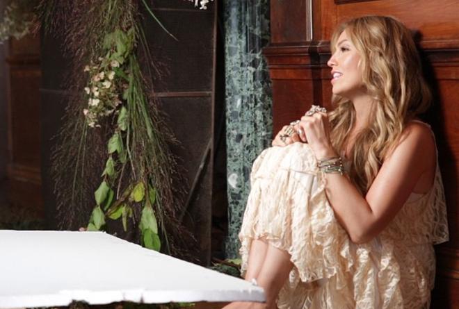 Detrás del video de Thalía imágenes