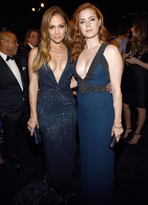 Jennifer López, Amy Adams, Míralos