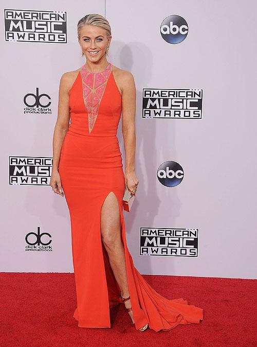 American Music Awards, Julianne Hough