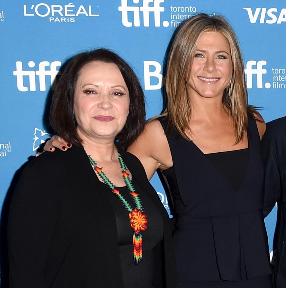 Jennifer Aniston y Adriana Barraza