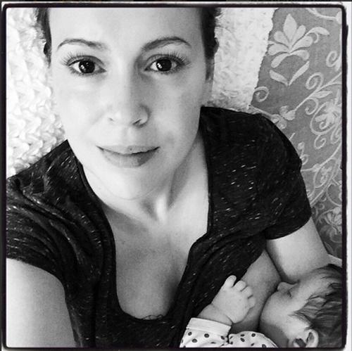 ALYSSA MILANO, bebes, embarazos del año