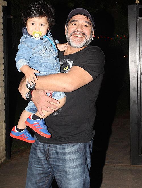 Diego Armando Maradona, Diego Fernando, Míralos