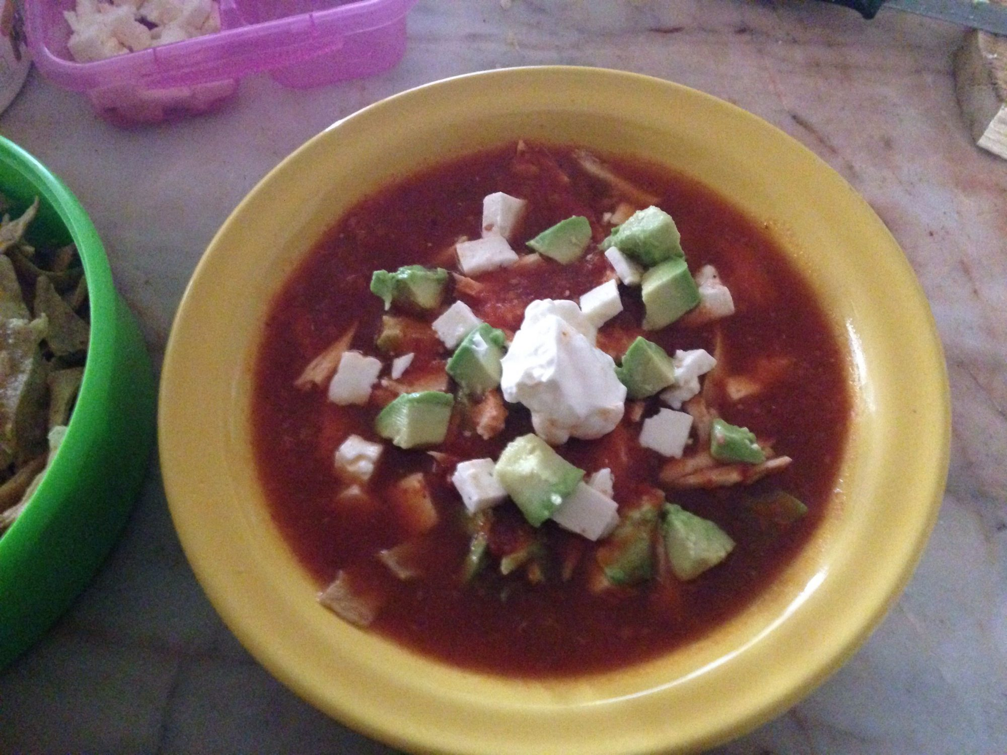 Sopa de tortilla con chile chipotle