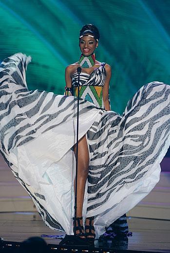 Ziphozakhe Zokufa, Miss Universo 2015,