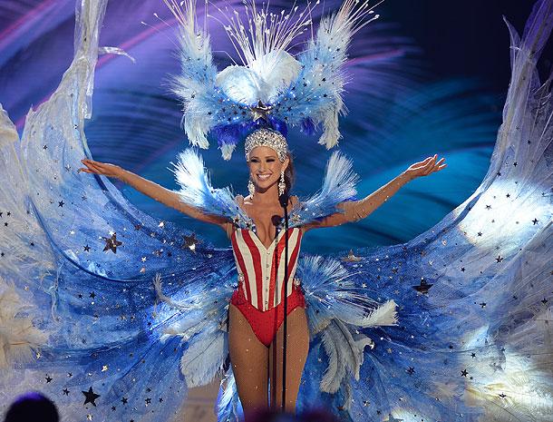 Nia Sanchez, Miss Universo 2015,