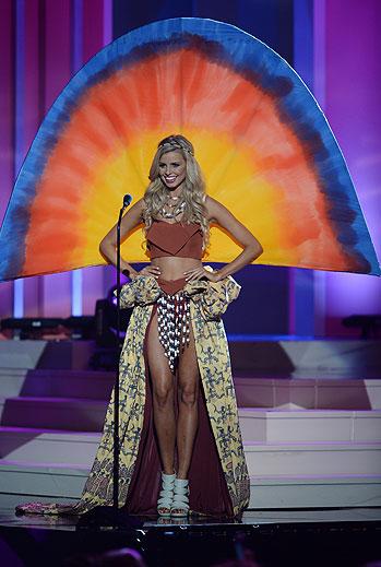 Tegan Martin, Miss Universo 2015,