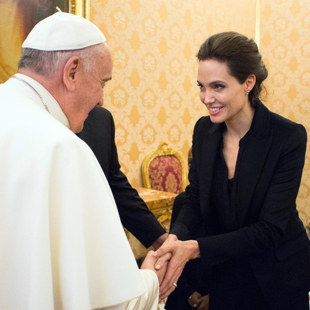 Angelina Jolie y papa Francisco