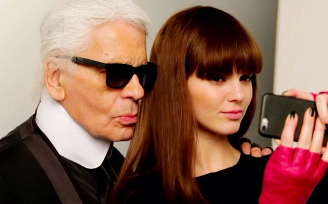 Kendall Jenner para articulo de Karl Lagerfeld