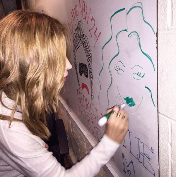 Kylie Minogue, Instagram