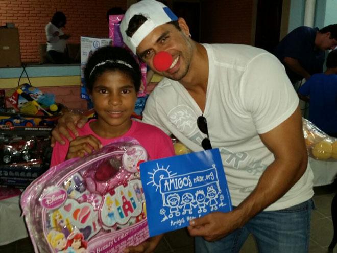Pedro Moreno en la Casa Hogar Amor y Vida en Honduras