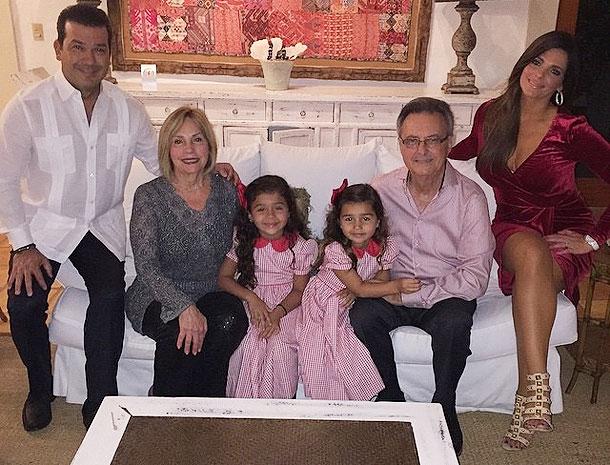 Bárbara Bermudo, Andrés Moreno, Mía, Camila, Míralos