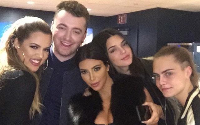 Khloé Kardashian, Sam Smith, Kim Kardashian, Kendall Jenner y Cara Delevigne