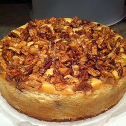 Pastel de queso con manzana y nuez