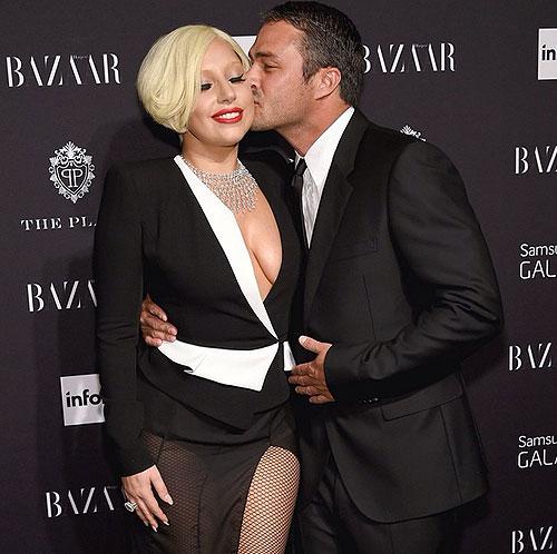 Taylor Kinney, Lady Gaga, compromiso, factoids