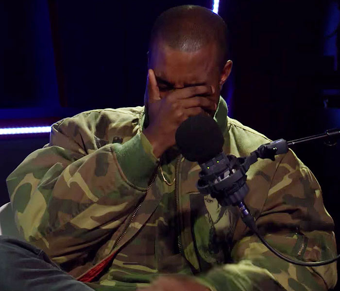 Kanye West, llorando