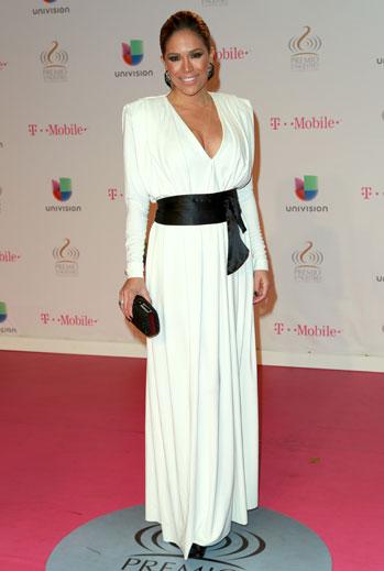 Premio Lo Nuestro 2015, ellas, alfombra, Karla Martínez