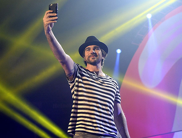 Juanes, Míralos