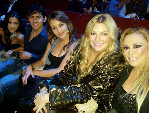 Daniela Basso, Miguel Martínez, La Chicuela, Marjorie de Sousa, Míralos