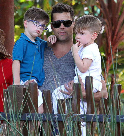 Padres gay cool, Ricky Martin