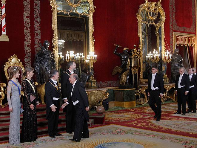 Reina Letizia, Maria Clemencia Rodríguez, Presidente Santos y Rey de España