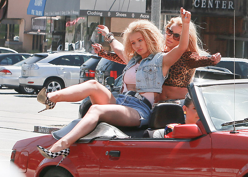 Britney Spears, Iggy Azalea, Míralos