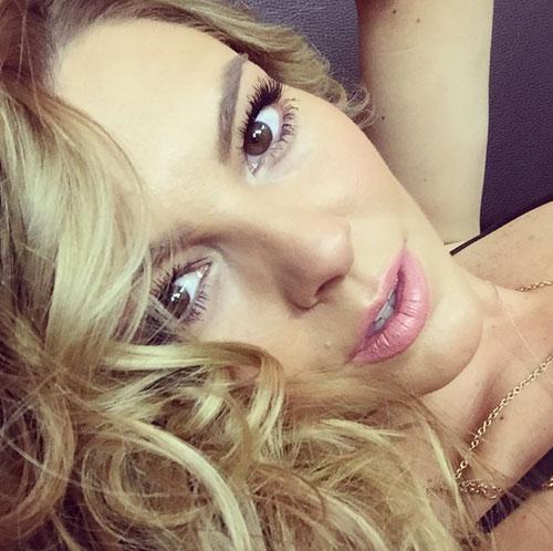 Marjorie de Sousa, Instagram