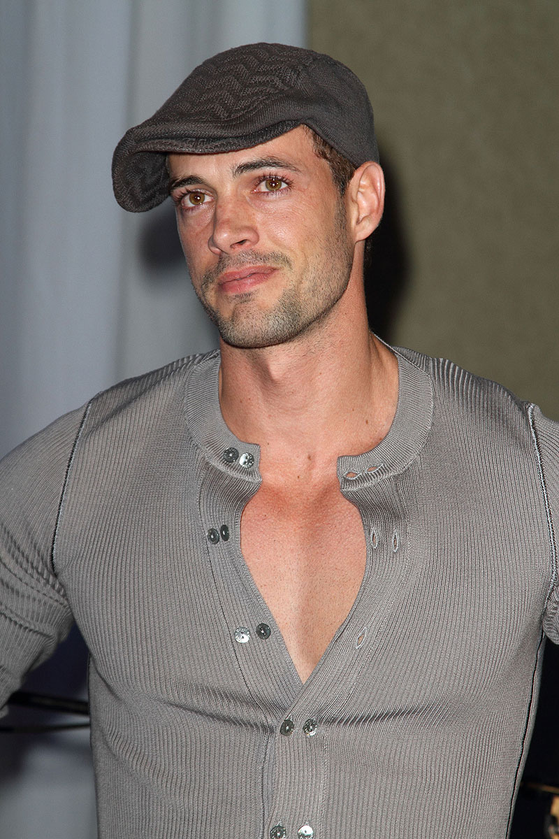 William Levy, TBT Bellos