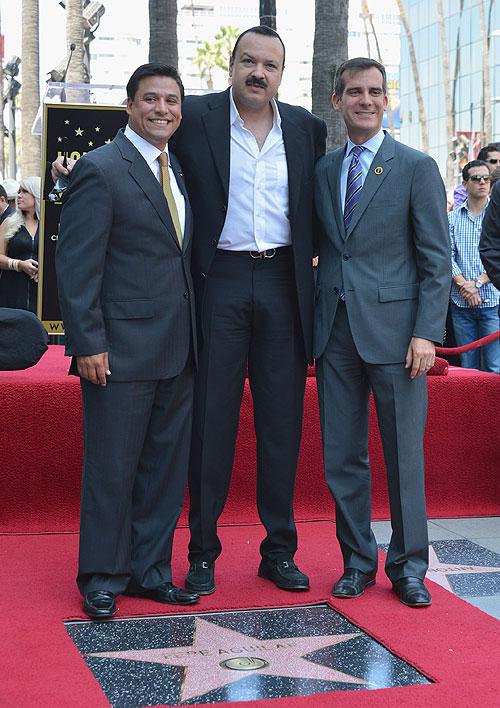 Pepe Aguilar, Estrella Hollywood