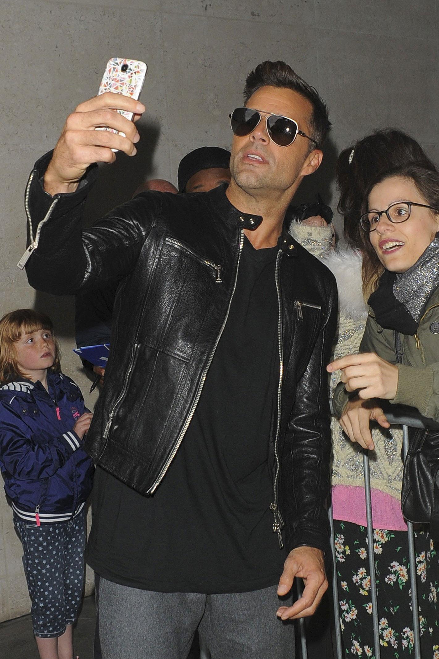 Miralos, Ricky Martin