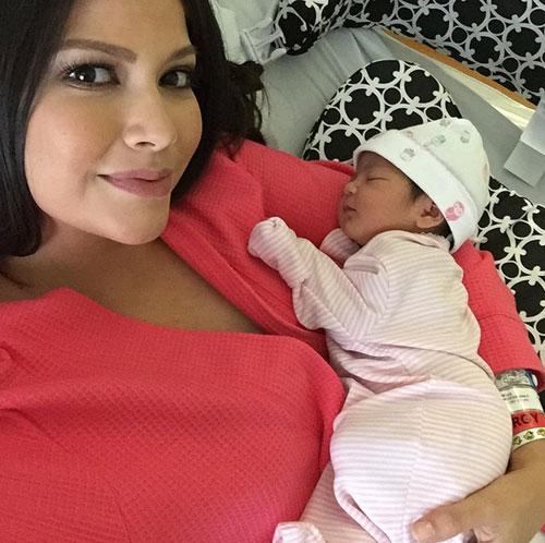 Día de la madre, Ana Patricia