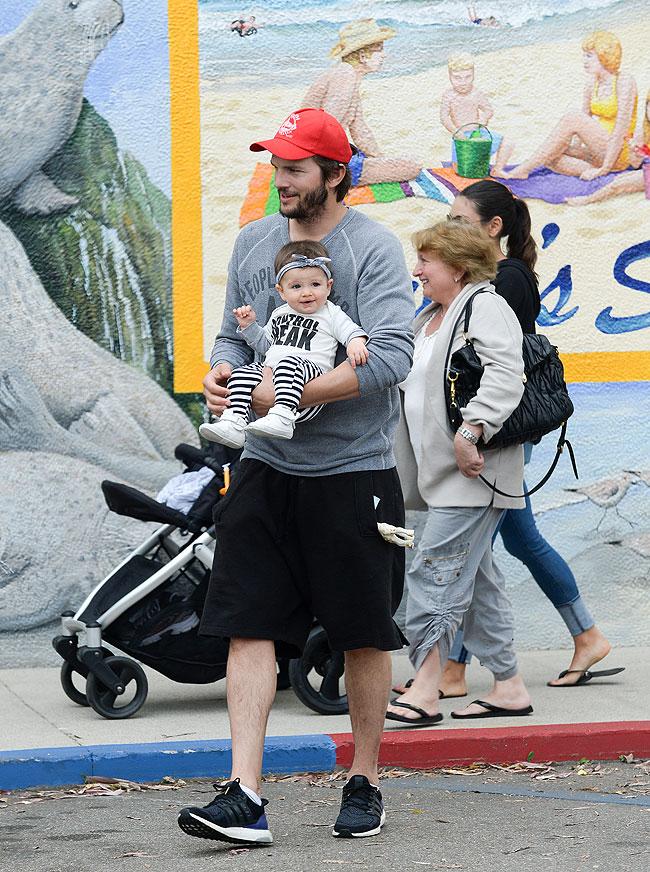 Ashton Kutcher, Wyatt, Mila kunis