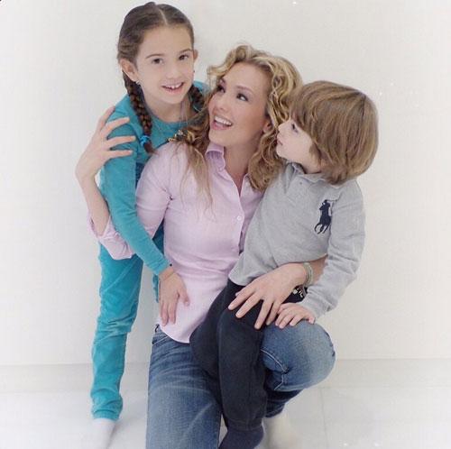 Día de la madre, Thalía
